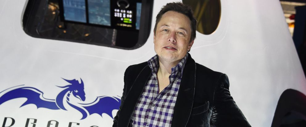 PHOTO: SpaceX CEO Elon Musk introduces SpaceXs Dragon V2 spacecraft, the companies next generation version of the Dragon ship designed to carry astronauts into space, at a press conference in Hawthorne, Calif. in this May 29, 2014, file photo.