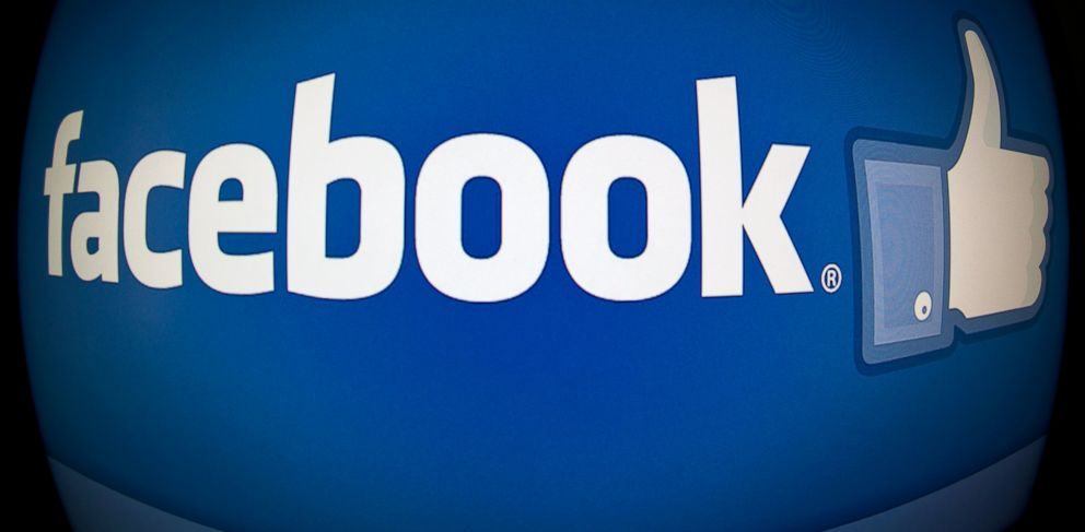 PHOTO: The splash page for the Internet social media giant Facebook is photographed in Washington, Feb. 25, 2013.