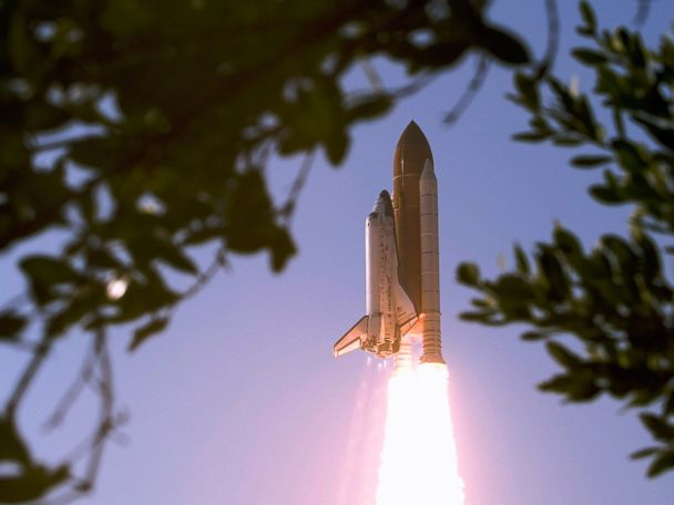 year space shuttle challenger first launched - photo #18