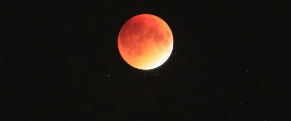 PHOTO: A supermoon lunar eclipse is seen, Sept. 27, 2015.
