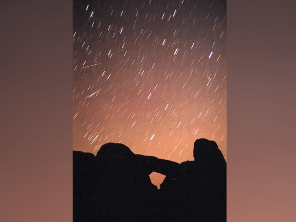 PHOTO: The Leonids meteor shower will peak at midnight across the continental U.S.