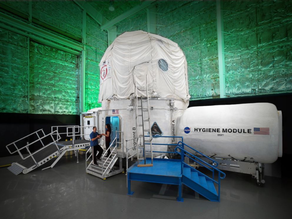 PHOTO: NASA will have four people living in a confined habitat for 30 days.