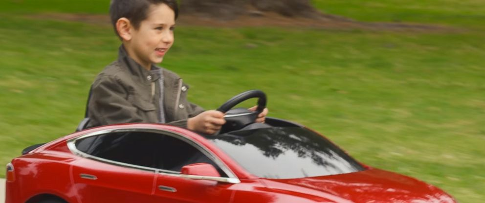PHOTO: Radio Flyer has created a miniature Tesla Model S for kids.