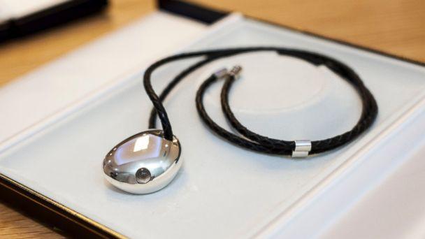 PHOTO: Bluetooth Smart Jewelry