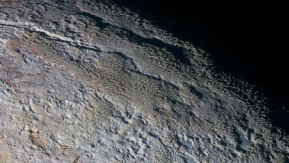 New Horizons Probe Snaps Snakeskin-Like Texture of Pluto's