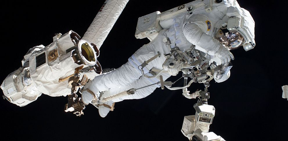 PHOTO: Spacewalk