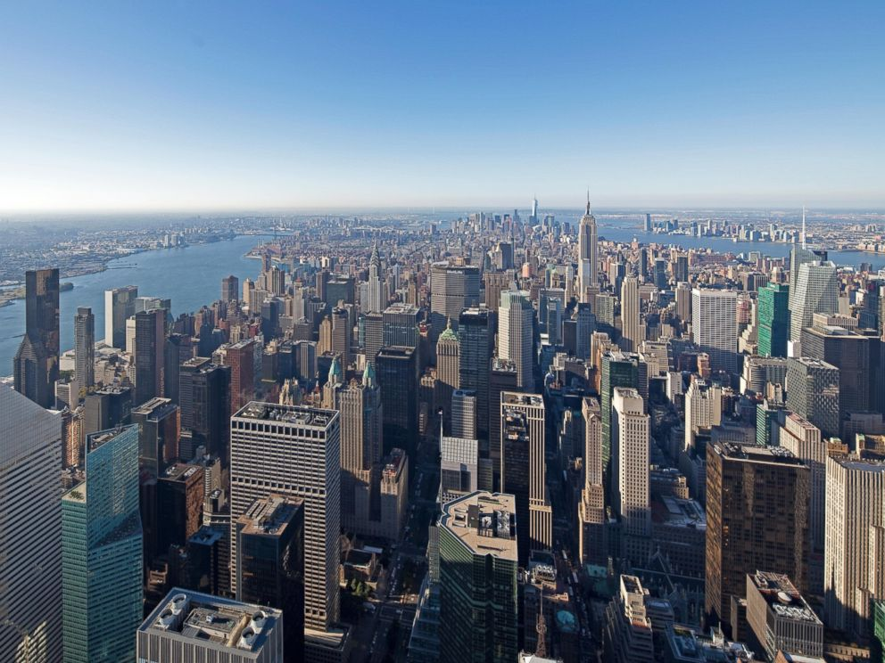 PHOTO: The southeastern view of Manhattan as seen from 432 Park Avenue.