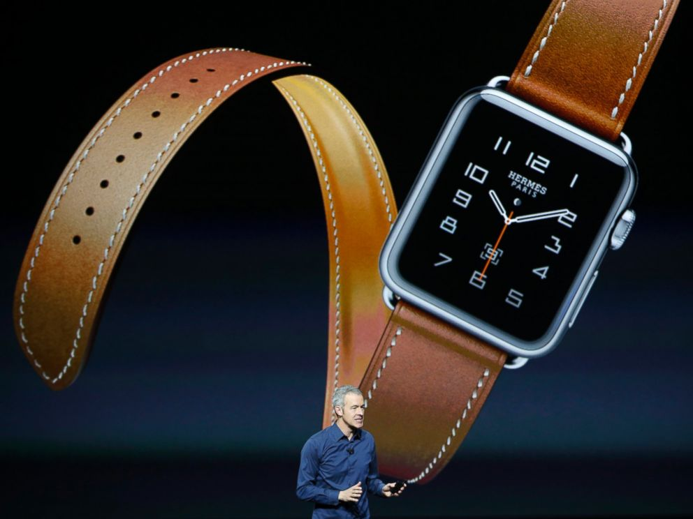 PHOTO: Jeff Williams Apples senior vice president of Operations, speaks about the Hermes watchband for the Apple Watch, during an Apple media event in San Francisco, Sept. 9, 2015.
