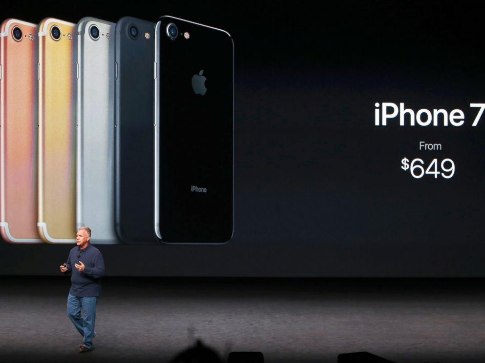 PHOTO: Phil Schiller, Senior Vice President of Worldwide Marketing at Apple Inc, discusses the iPhone 7 during an Apple media event in San Francisco, Sept. 7, 2016.