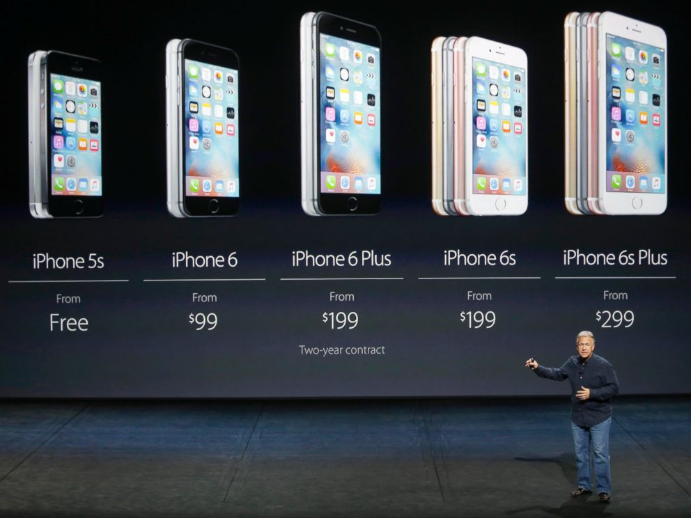 PHOTO: Phil Schiller, Senior Vice President of Worldwide Marketing at Apple Inc, speaks about pricing for the entire iPhone line during an Apple media event in San Francisco, Sept. 9, 2015.