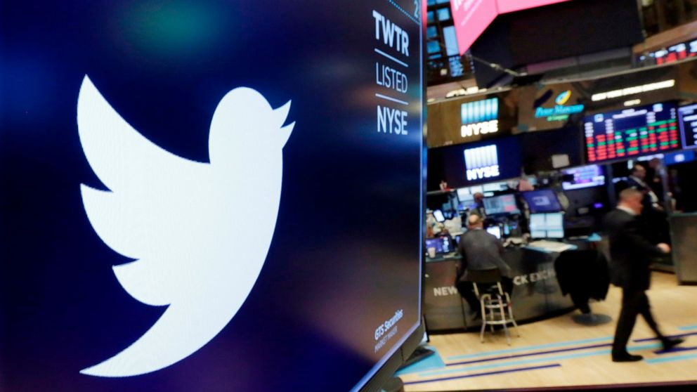 Twitter, Facebook fined for not moving user data to Russia thumbnail