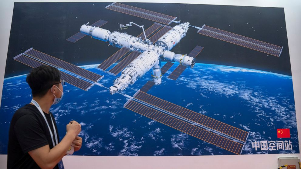 China astronauts return after 90 days aboard space station