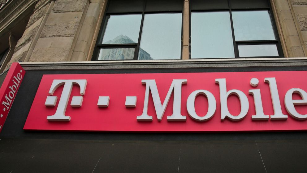T Mobile Says It S Working To Fix Widespread Network Issues Abc News