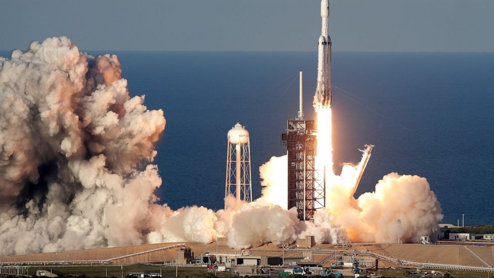 SpaceX Falcon Heavy sticks the landing in spectacular launch