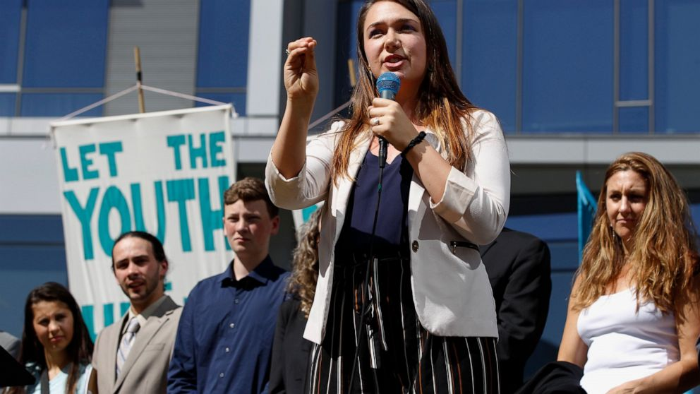 Oregon Democrats advance sweeping climate policy