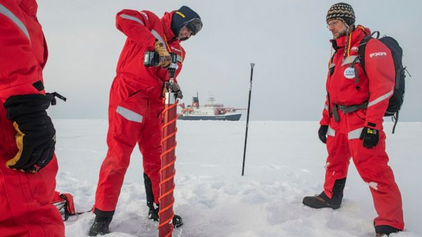 Going with the floe: Scientists to set up Arctic ice camp