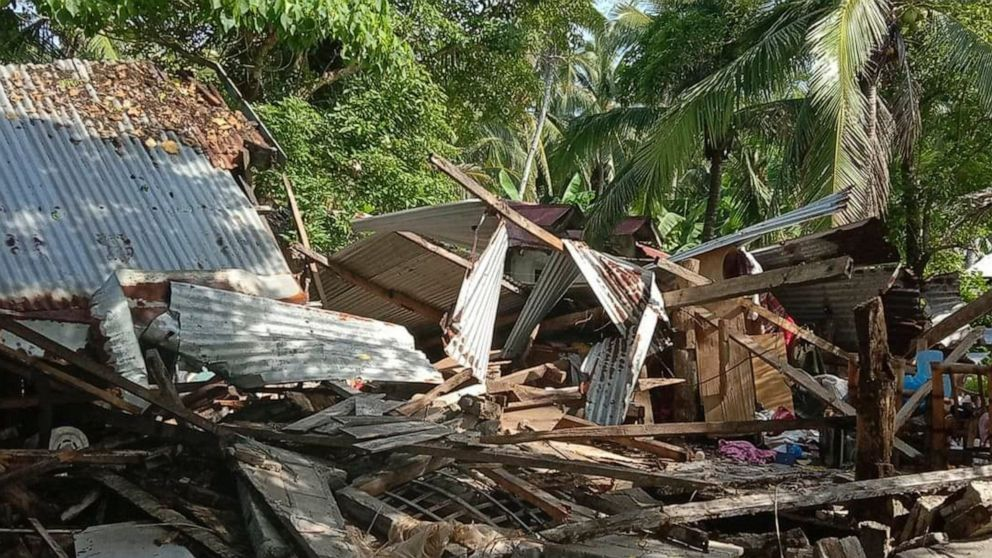 Strong earthquake jolts central Philippines, homes damaged