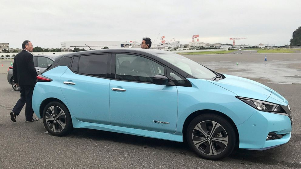 Eager to leave scandal, Nissan shows off smooth-driving tech thumbnail