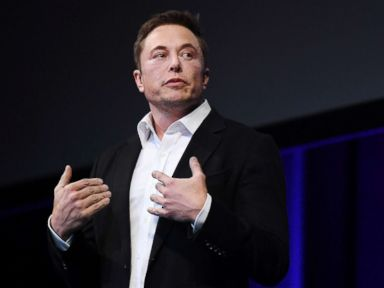 Musk apologizes to British cave diver for derogatory tweet