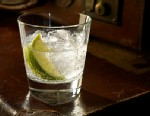 PHOTO: Glass of Gin and Tonic with Ice and Lime