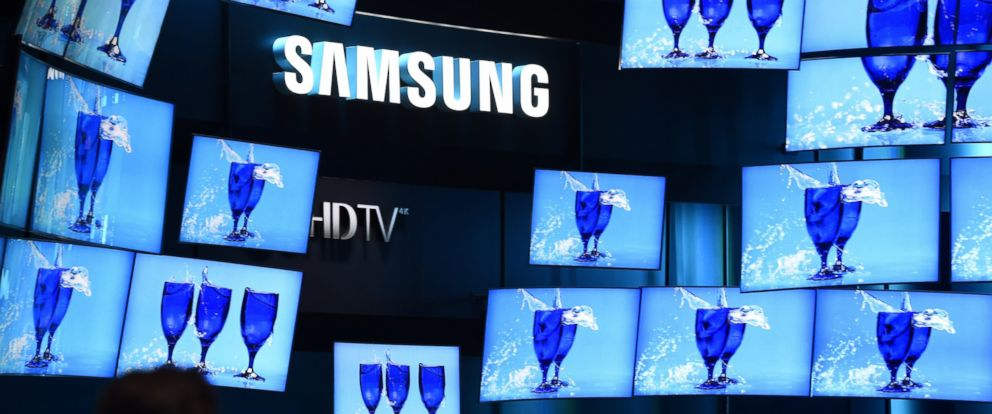 PHOTO: SUHD 4K televisions from Samsung are on display at the Consumer Electronics Show Jan. 8, 2015, in Las Vegas.