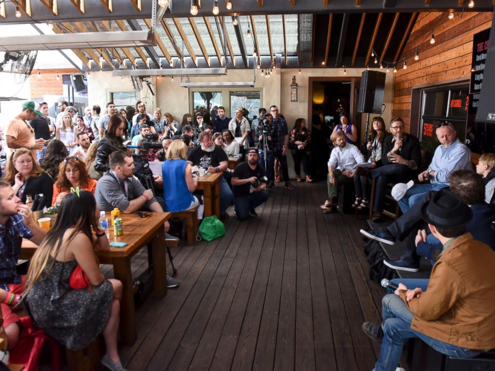 PHOTO: A general view of atmosphere at the Fast Company Grill During SXSW on March 15, 2015 in Austin, Texas.