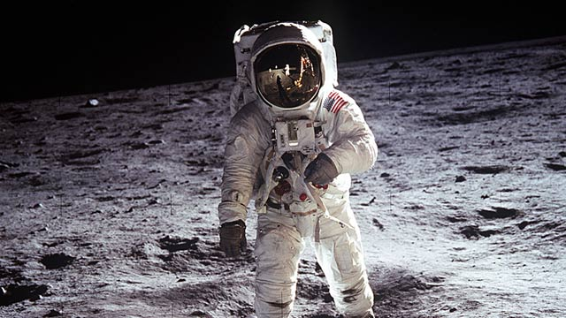 PHOTO:Buzz Aldrin on the moon