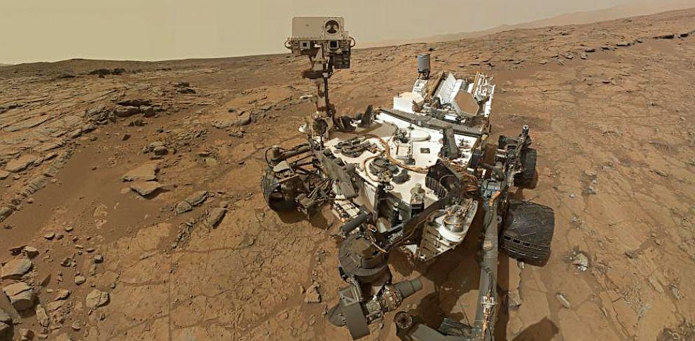 PHOTO: Mars rover Curiosity self portrait