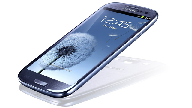 PHOTO: Samsung's Galaxy S III aims to take on the iPhone 4S.