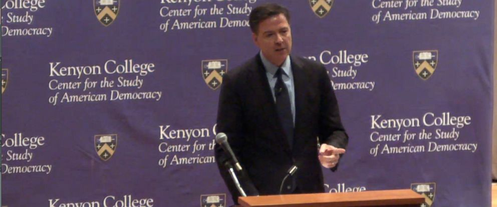 PHOTO: FBI Director James Comey speaks at Kenyon College in Gambier, Ohio, April 7, 2016.