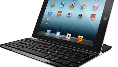 PHOTO: Logitech Ultra Thin Keyboard Case