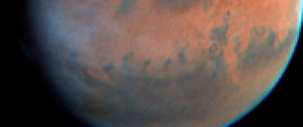 PHOTO: An image of Mars made by the Hubble Space Telescope on May 17, 1997 shows an unusually high-altitude plume.