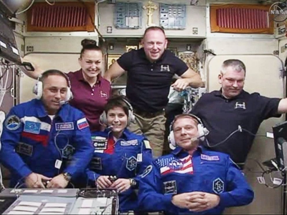 PHOTO: The six International Space Station crew members of Expedition 42 will enjoy a Thanksgiving meal that includes irradiated smoked turkey, freeze-dried cornbread dressing and thermostabilized cherry-blueberry cobbler.