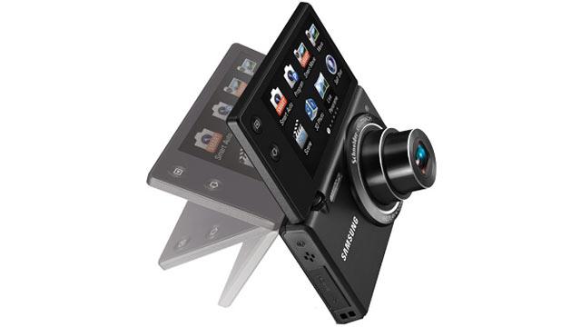 PHOTO: Samsungs MultiView MV800 camera is shown.