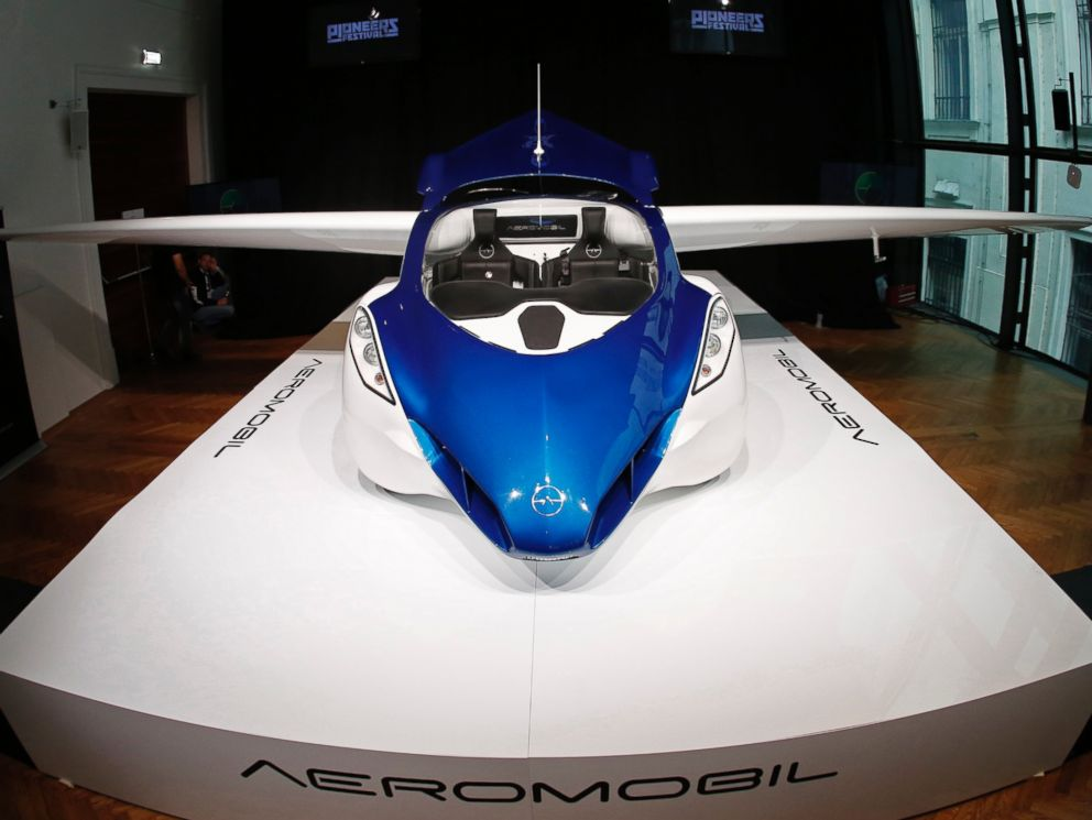 PHOTO: The AeroMobil 3.0 is pictured during its world premiere at Hofburg Palace in Vienna, Oct. 29, 2014.