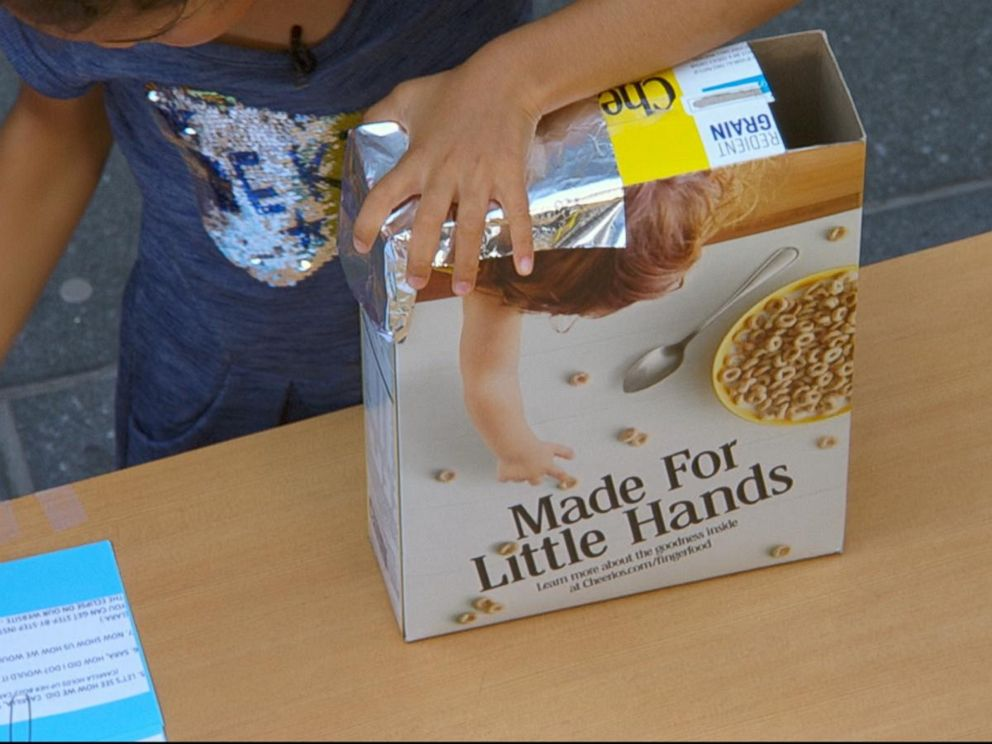 PHOTO: Good Morning America shows you how to make a cereal box for the eclipse viewer, Aug. 21, 2017.