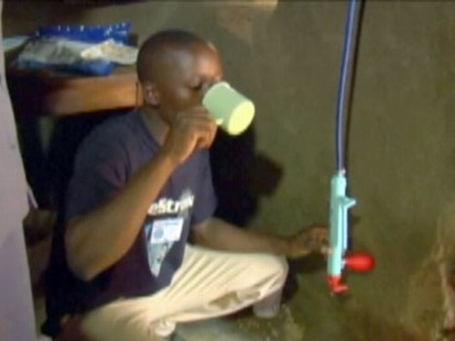VIDEO: Kenyans receiving clean water through carbon credits.