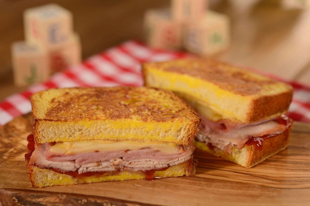 PHOTO: Monte Cristo at Woodys Lunch Box
