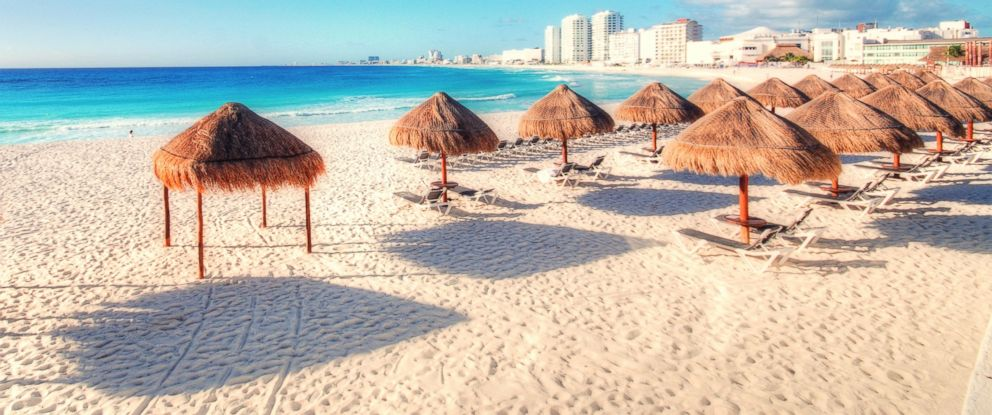 PHOTO: On Feb. 1, the Mexican state of Quintana Roo which includes Cancun (pictured) will change time zones to give visitors another hour of sun.