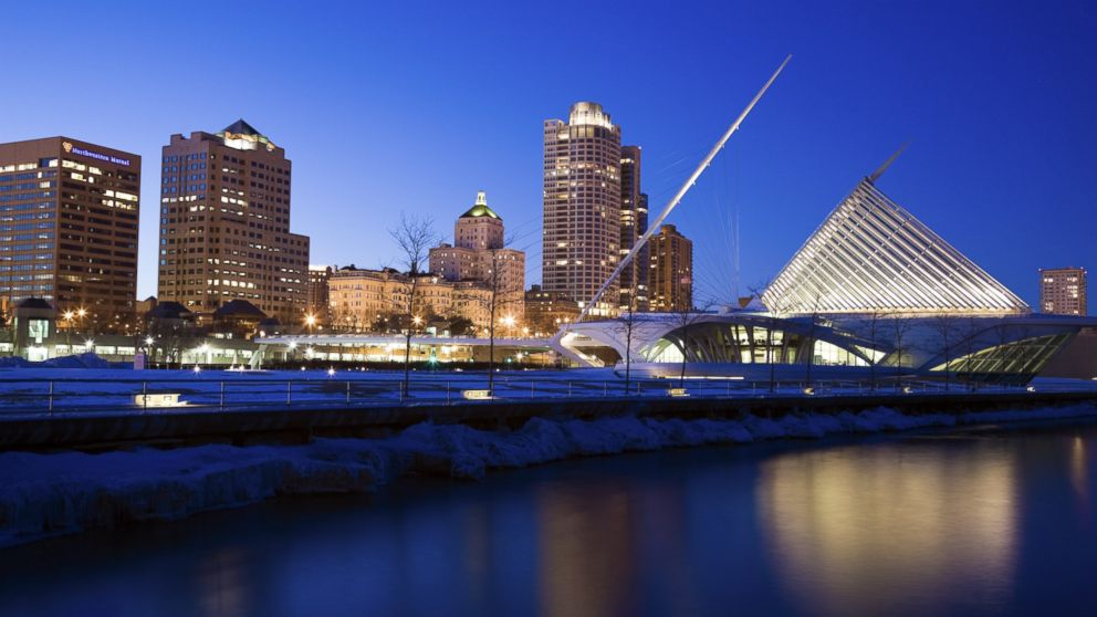 Milwaukee chosen as 2020 Democratic National Convention site thumbnail