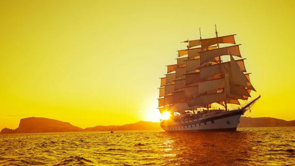 PHOTO: Sunset shot of Star Clipper