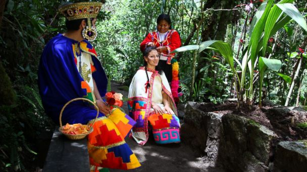 PHOTO: Arac Masin Wedding Ceremony -- Machu Picchu