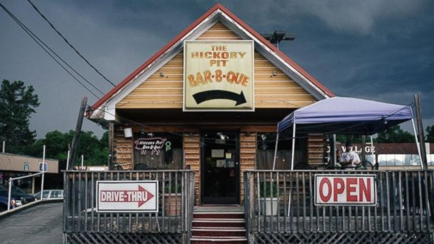 PHOTO: Hickory Pit Bar-B-Que, Chattanooga, Tennessee.