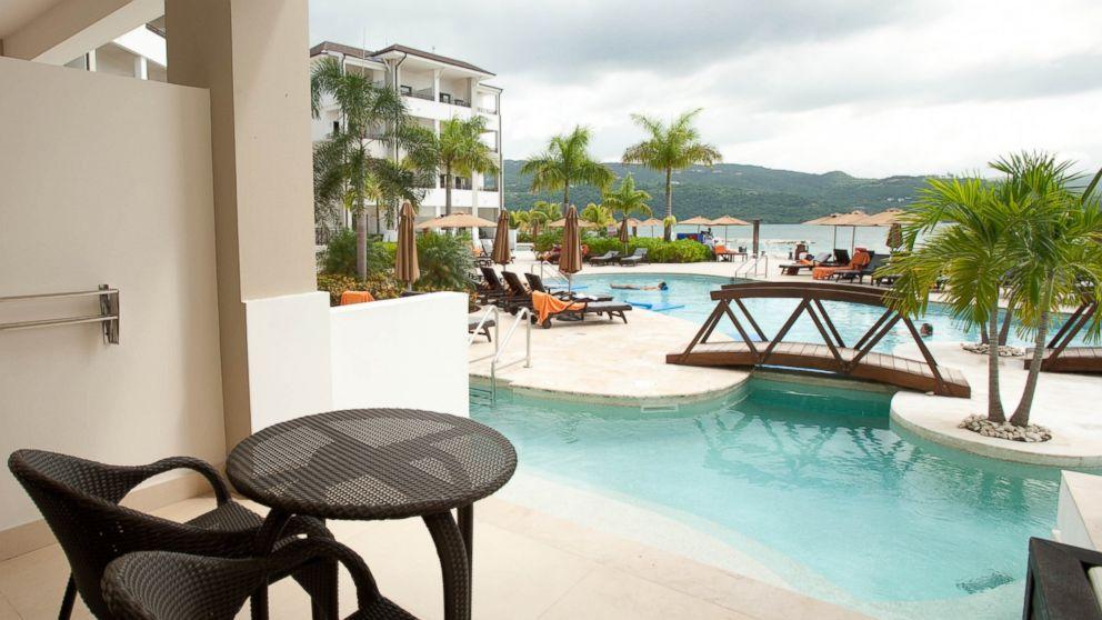 11 Gorgeous Swim-Up Hotel Suites - ABC News