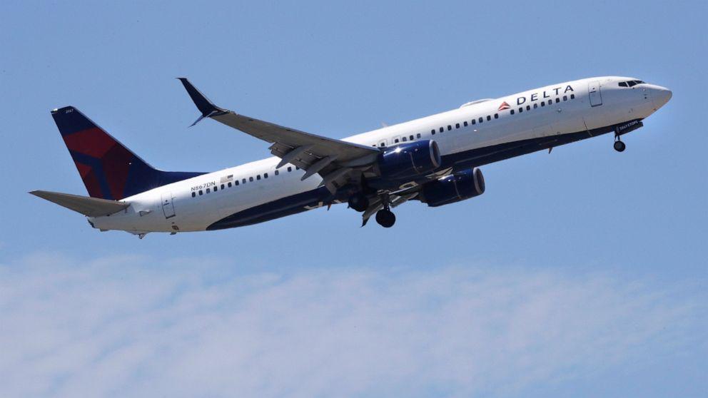 Δέλτα καθέτους πτήσεις από 40% ως ιός ανάπηρους global travel