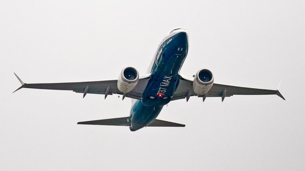 Boeing suffers 2nd consecutive month with no airline orders
