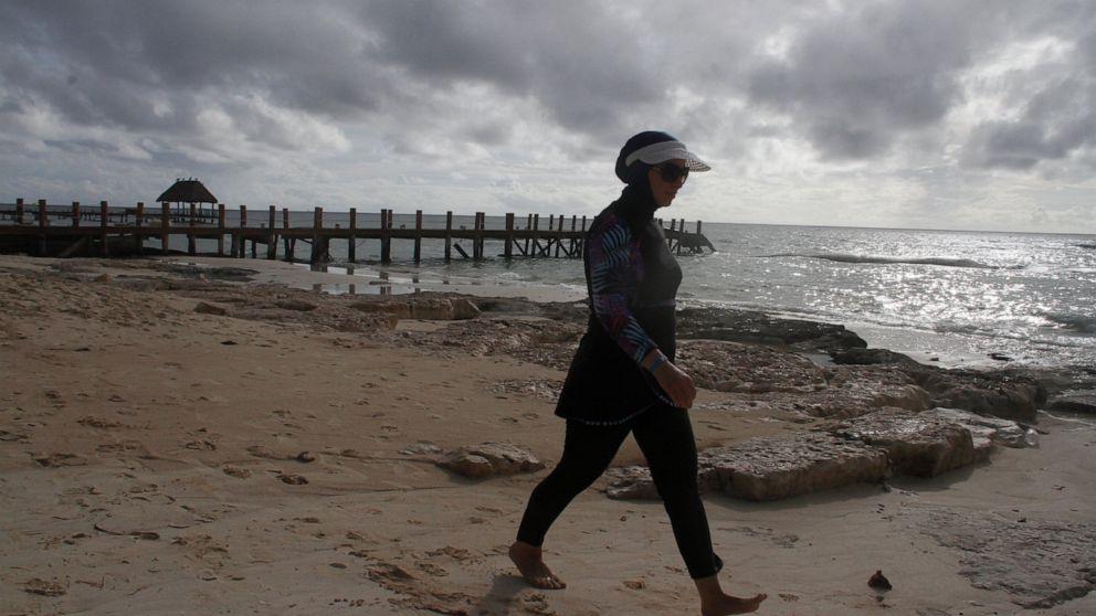 Hurricane Delta now Category 4, roars at Mexico's Yucatan