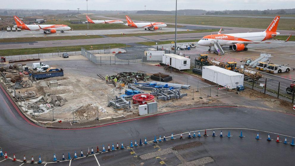 Nationen Flut Volkswirtschaften mit Hilfe; airlines Fliegen in den Sturm
