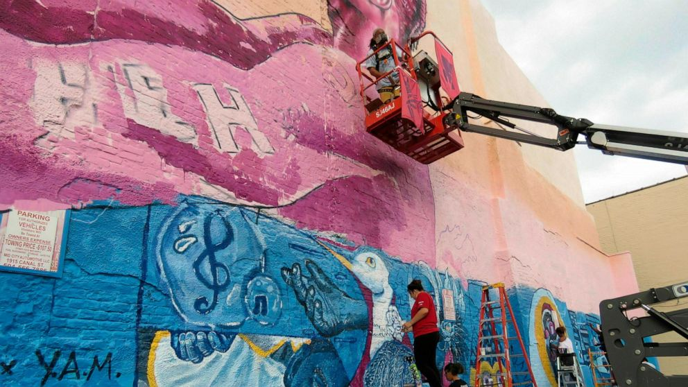 5 new New Orleans murals in walkable area