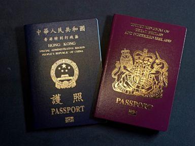 Ratusan orang meninggalkan Hong Kong ke Inggris, takut akan tindakan keras China thumbnail